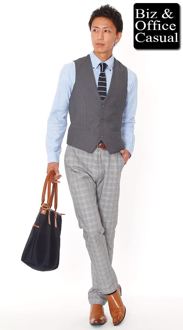 グレー(薄め、明るめのグレー)パンツとベルト・シューズ(靴)の合わせパターン
