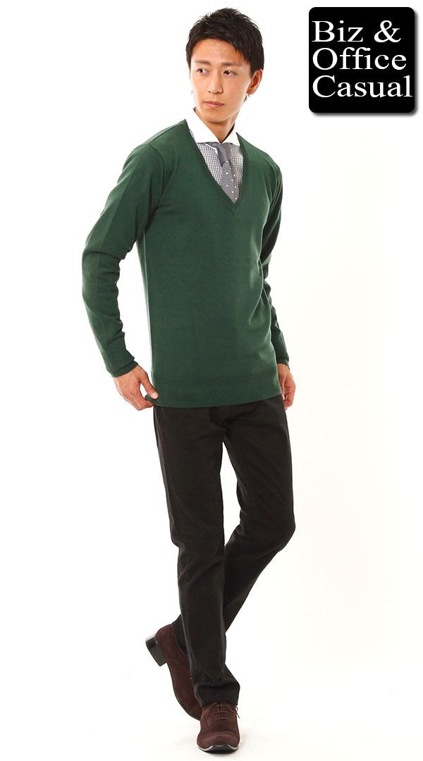 グリーンニット×クレリックシャツ×ブラックパンツ biz14ss_9258【ビジネスカジュアル・オフィスカジュアルコーディネート】 - メンズビジネスカジュアル(ビジカジ)通販